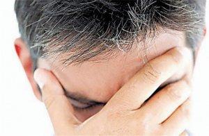 Người trẻ bị tóc bạc sớm